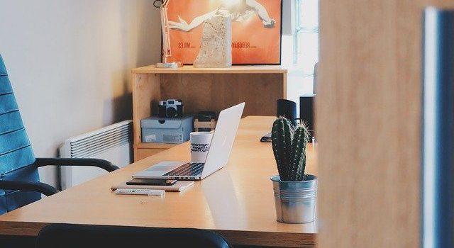 Ergonomisk kontorstol til arbejdspladsen